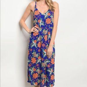 Dresses & Skirts - Blue Floral Midi Dress